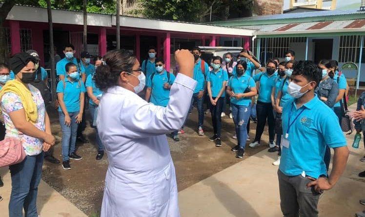 ESTUDIANTES DE UNAN FAREM CHONTALES EN JORNADA PROFILÁCTICA DE PREVENCIÓN ANTI COVID.